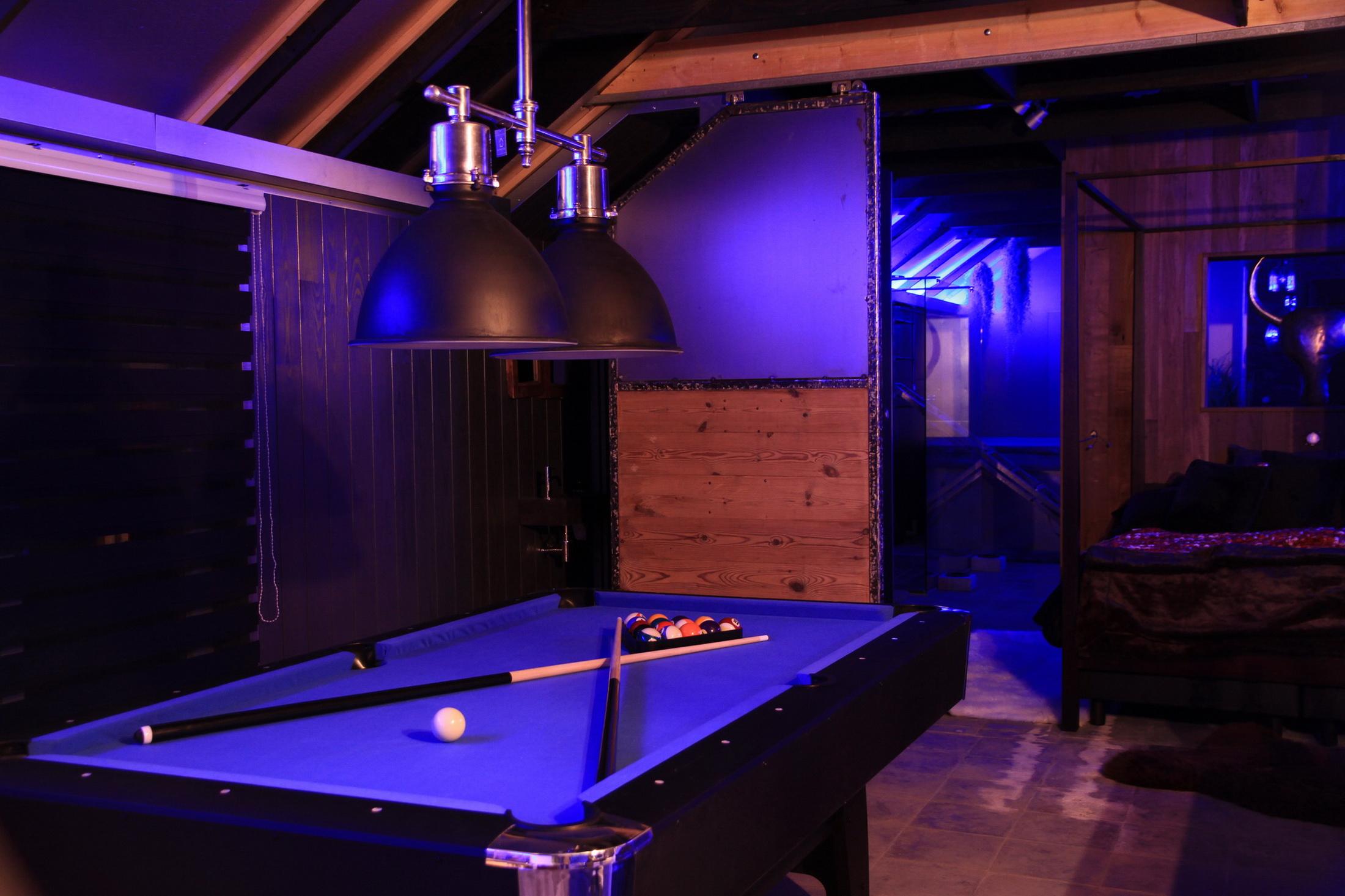 le loft loft insolit espace privatif 150m2 avec jacuzzi et sauna privatif. Black Bedroom Furniture Sets. Home Design Ideas